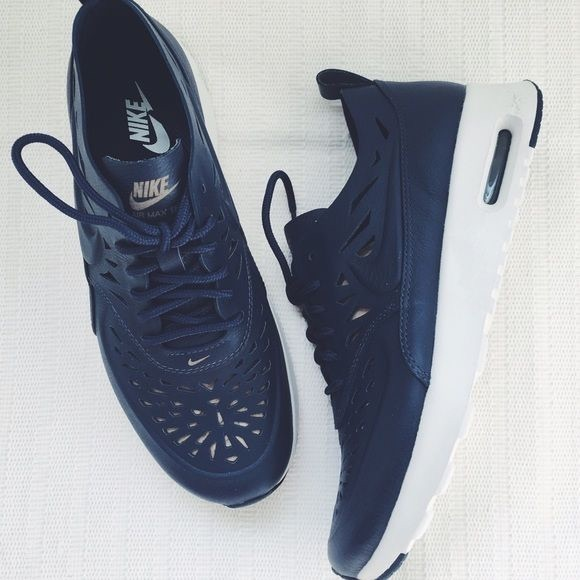 Nike Air Max Thea Laser Cut Sneakers Size 8.5